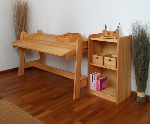 jugendschreibtisch bj rn aus massiver bio erle m belschmiede. Black Bedroom Furniture Sets. Home Design Ideas