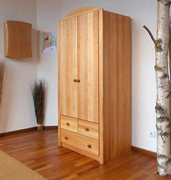 kleiderschrank lotta aus bio erle m belschmiede. Black Bedroom Furniture Sets. Home Design Ideas