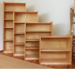 regalsysteme aus massiver erle variables baukastensystem. Black Bedroom Furniture Sets. Home Design Ideas